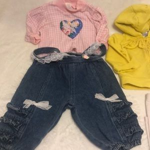 Bundle of baby girl Carter's, Cay&jack Size 6-9 m